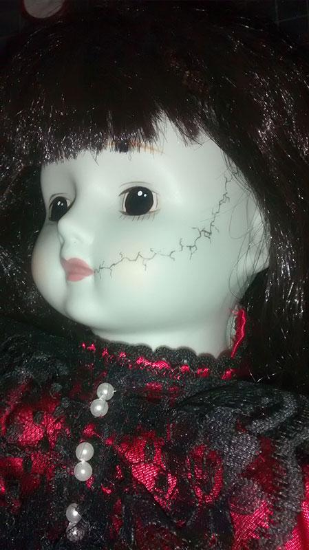 MM_Mortae_doll_closeup